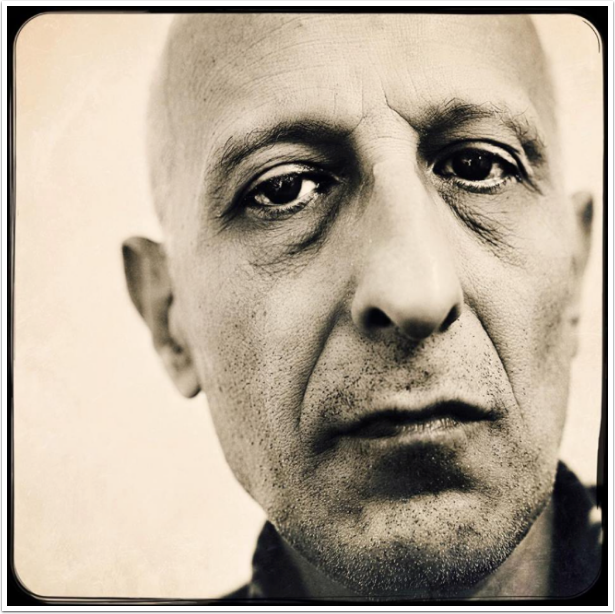 Mobile Photography / Art 'Why I Don't Create Self Portraiture with my Smartphone' by Philippe Schlossberg from France